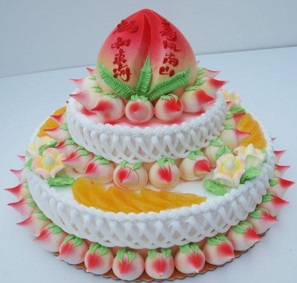 2020三层寿桃生日蛋糕图片_水果寿桃生日蛋糕图片