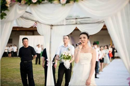 女生唱的婚礼祝福歌曲大全_适合婚礼的说唱歌曲大全