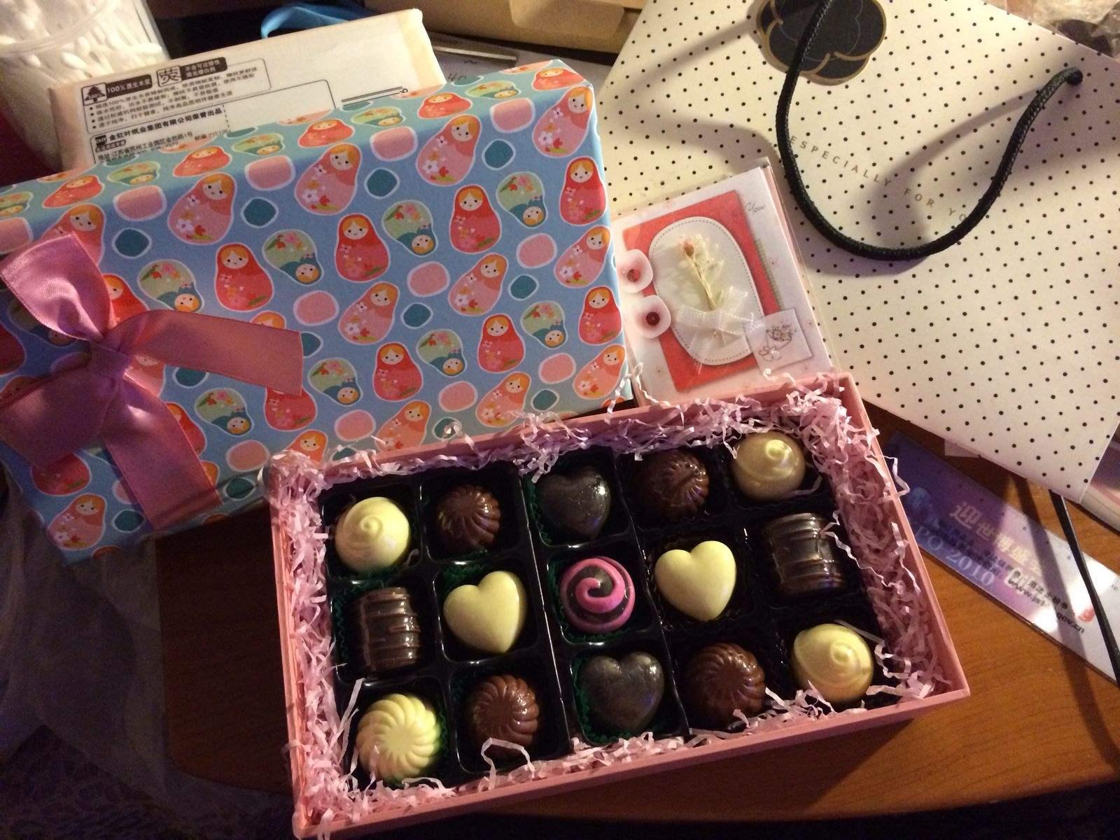 给男生过生日买什么礼物好_男生给女生买生日礼物代表什么