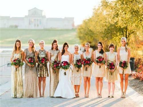 参加姐妹婚礼穿什么衣服_参加前任婚礼穿什么