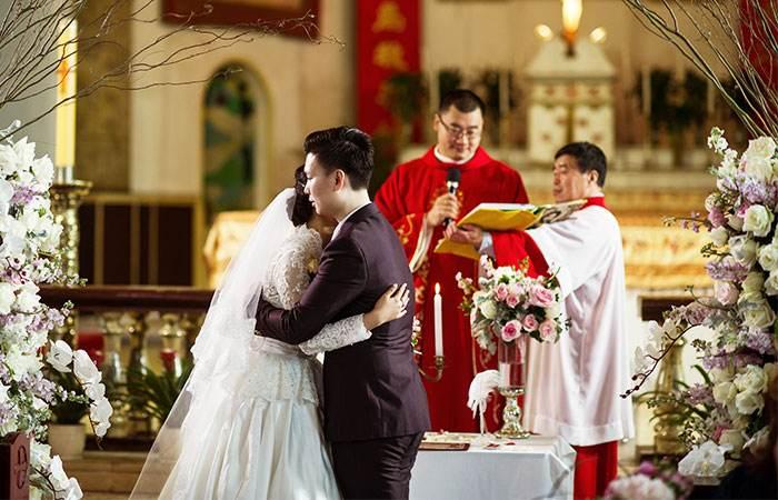结婚庆典男方父亲精简讲话稿_结婚台词男方父亲讲话