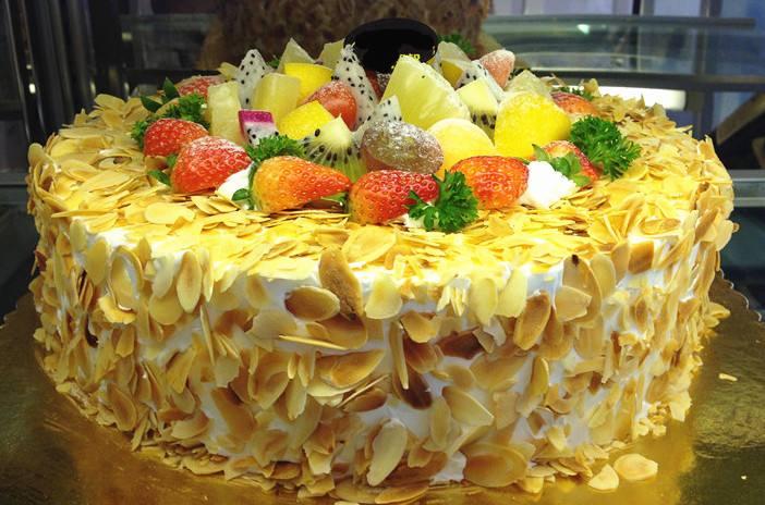 老人生日水果蛋糕图片_给老人过生日订什么样的蛋糕好吃