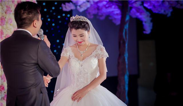 婚礼现场新娘致辞范文详解,五种范文值得你参考!